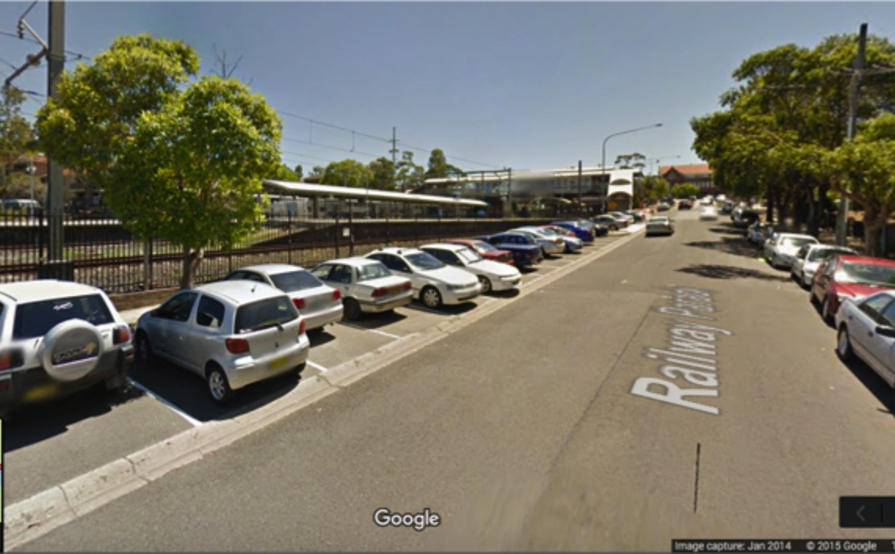 WESTMEAD Lock-Up Garage for Parking right Opp Station⁄Bus Stop