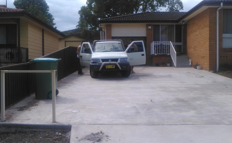 single garage with backyard fully fenced and secured in kanwal