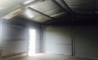 Spacious Shed in tarneit. - Located near Wyndham Village Shopping Centre