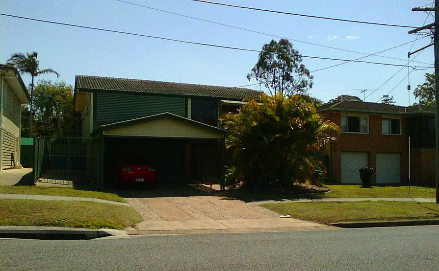 12 meters long space for rent in Mt Gravatt East