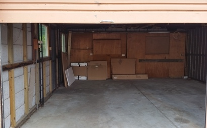 Single car space of a double garage - neat and clean condition in Glen Waverley #2