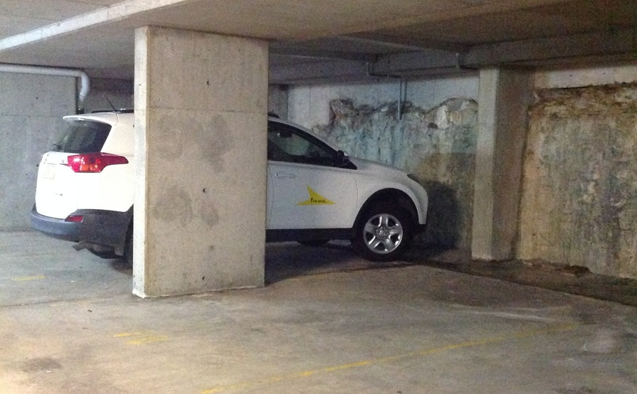 Bondi Junction - Undercover single parking space - great location!