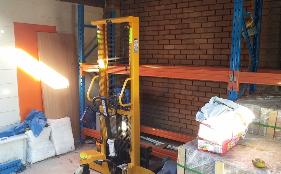 Undercover Carport with pallet racking & forklift in Hoppers Crossing
