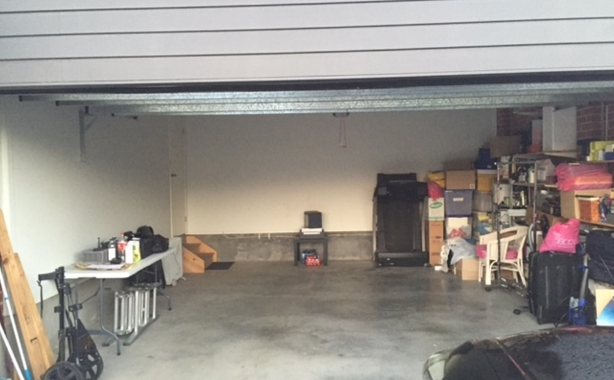 Double garage for storage/parking in Middleton Grange