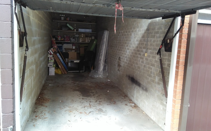 Covered Garage in Macquarie Park