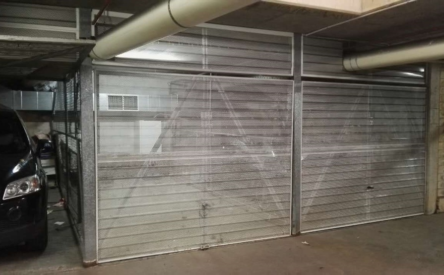 SINGLE SECURE LOCK UP GARAGE IN PARRAMATTA