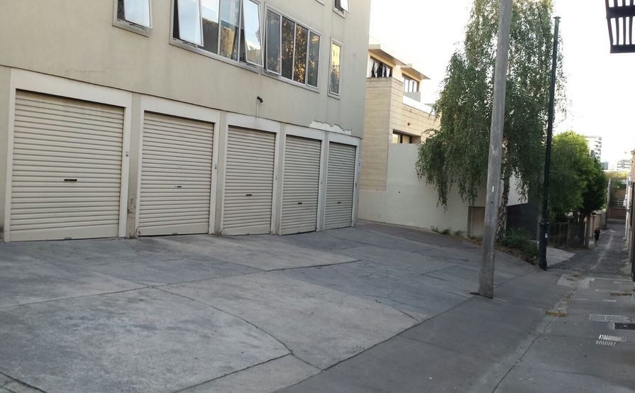 Single Lock Up Garage in South Yarra  - Close to Shops and Train Station