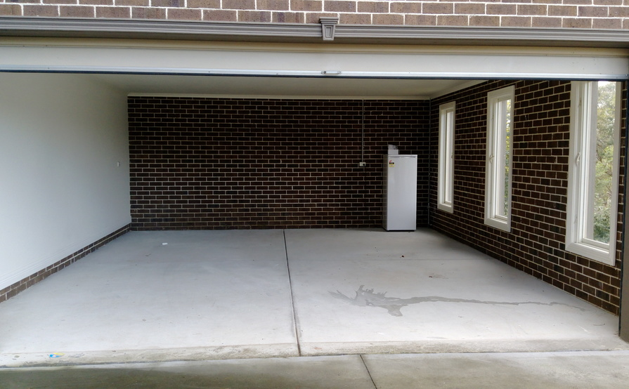 Ringwood North - Secure Double Garage for Storage in Great Location! (Available starting 1-Nov)