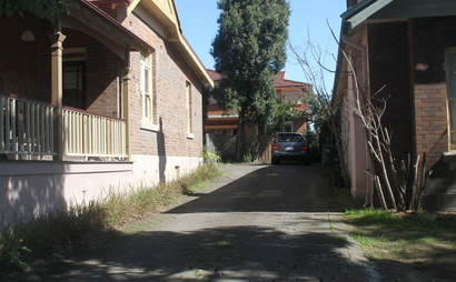 Chatswood - single parking space in private driveway