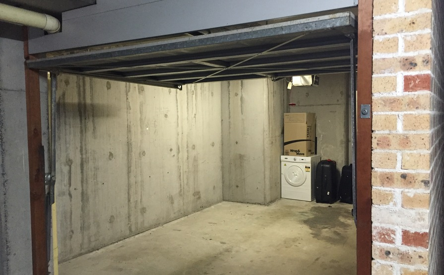 Lock-up garage for rent in prime Potts Point location