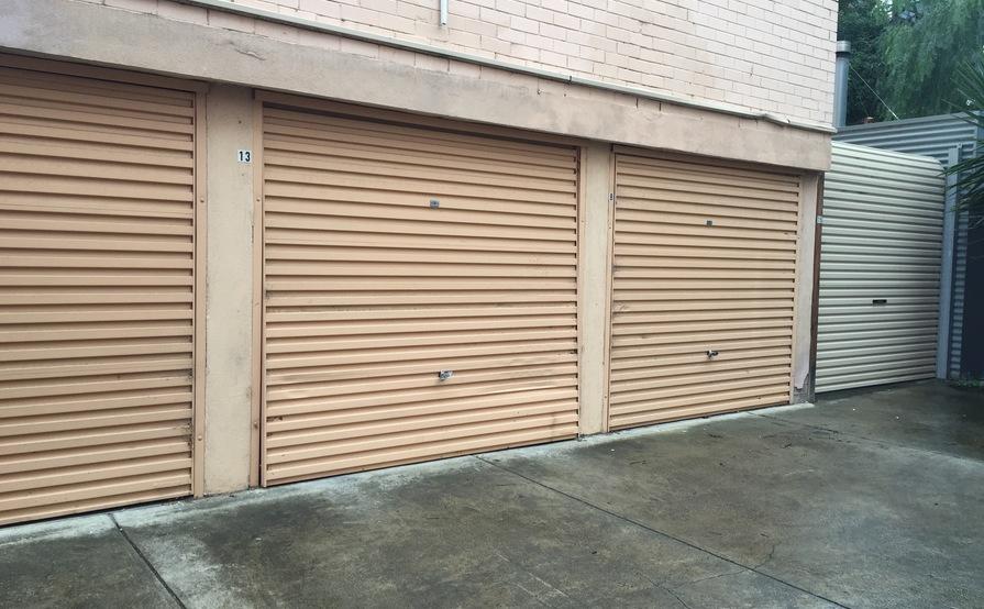South Yarra - Lock-up garage just off Domain Road