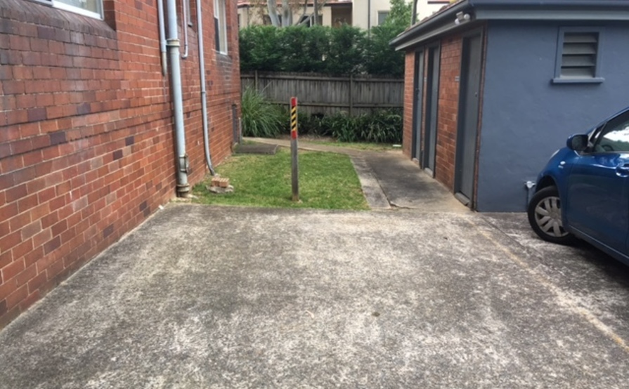 Convenient Parking Space close to St Leonards Station, Public Transport and RNSH
