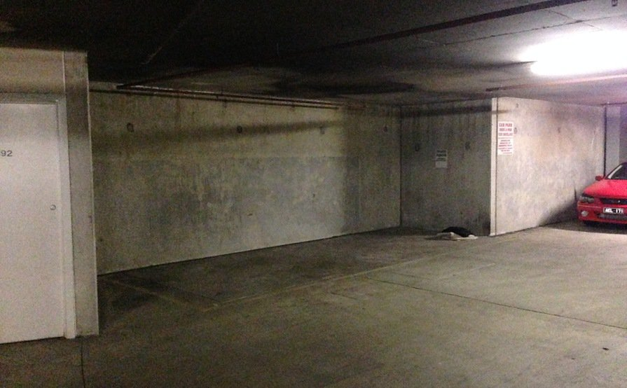 Secure underground parking space - Heart of St Kilda - 24/7 security + cameras