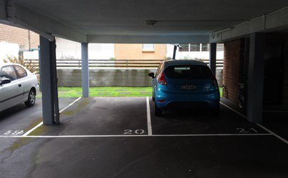 Great undercover carspace near Sydney Uni & City Buses (Available from 17-Dec)