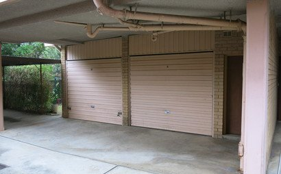 Parramatta - lock up garage in Queens Av. Close to ferry , bus and train. (Available starting February 10)