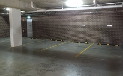 Motorbike secure parking - Close to Uni, RPA, and CBD, Camperdown
