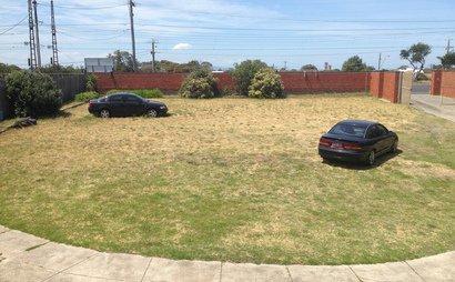 Outdoor parking space for trucks/boats/caravans