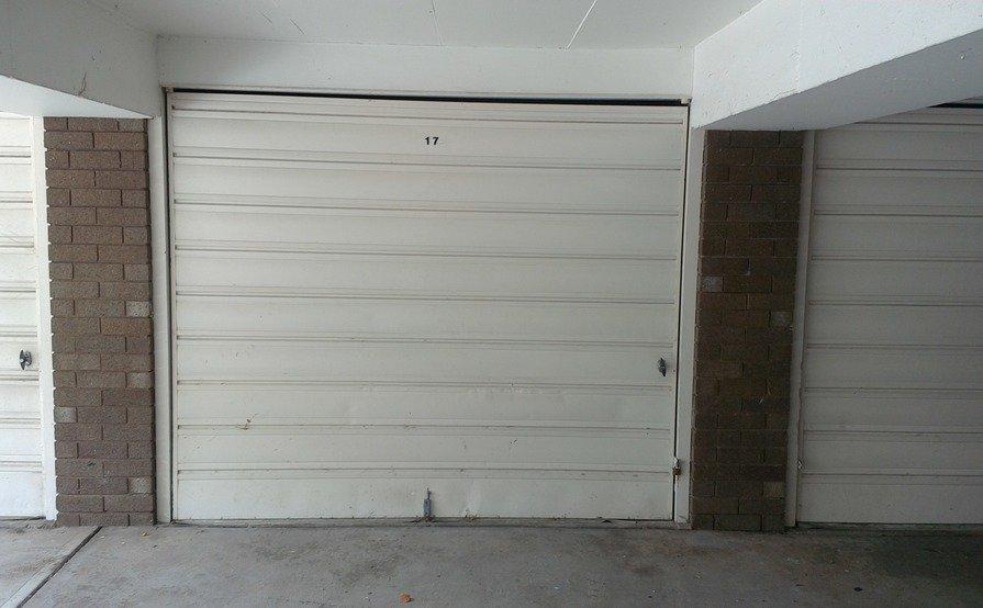 Single lock up Garage in Kogarah ---Close to Station