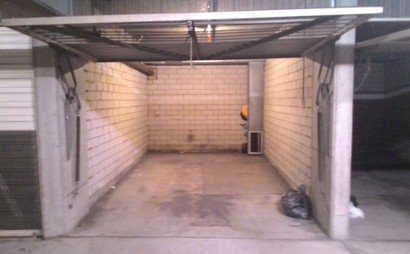 Private garage available (Available starting March 20)