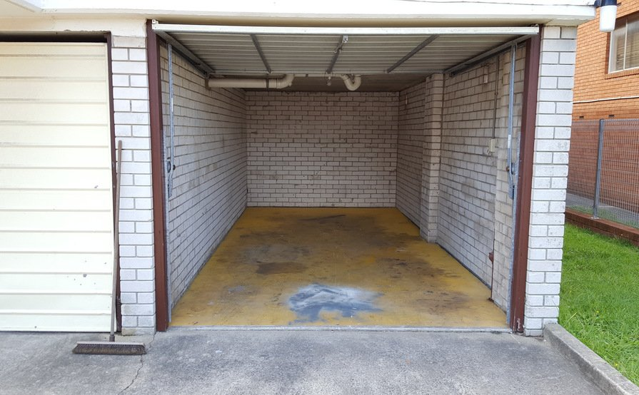 Lock-up garage in Stanmore with 3x locks and light