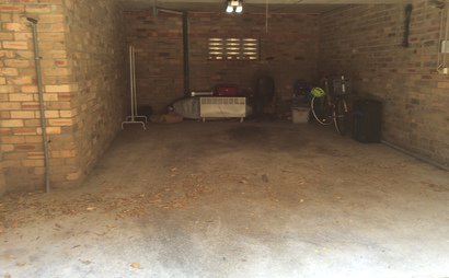 Large garage for lease - Bronte