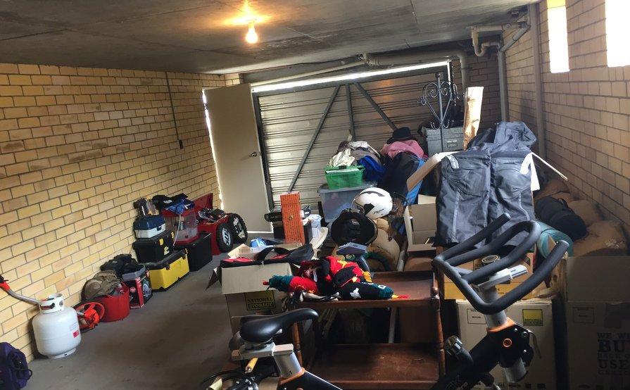 Lockup Garage Taringa