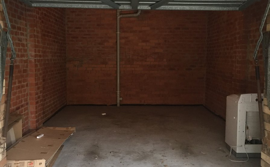 Hurstville Garage available 3mins from station (Available by January 1, 2017)
