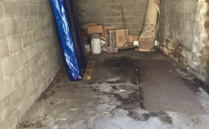 Edgecliff lock-up garage, 3 mins walk from station