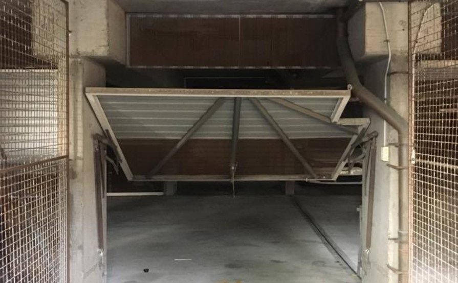 Garage spot to rent