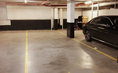 2 TANDEM PARKING SPOTS FOR RENT IN ULTIMO