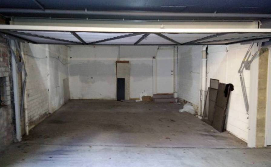 Individual space in shared garage in Crows Nest