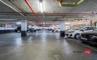Executive Car Spots