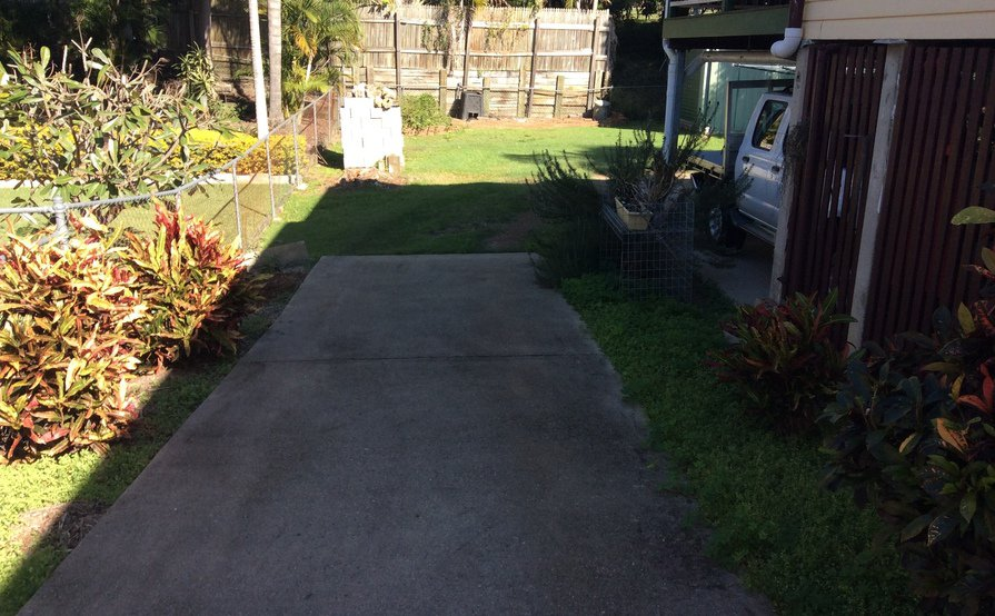 Mount Gravatt East- Backyard space for rent suitable for caravan ,boat cars ,box trailers