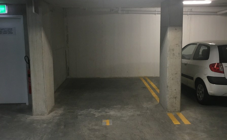 Saint Peters- Secured singe underground parking space