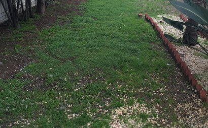 Huge backyard to let suitable for small trucks and Caravan