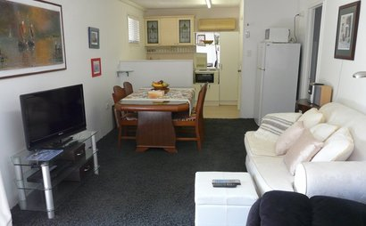 Chuwar- Two fully furnished bedroom flat 6 mins away from  Ipswich City Centre