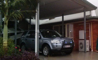 High and wide carport for rent in Central Yeppoon.