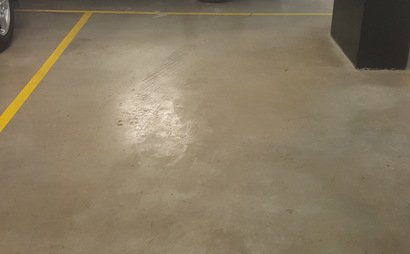 Car spot avaliable in secure underground carpark