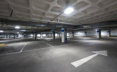 **Car Parking** + FACILITIES ( Swimming pool, jacuzzi, gym )