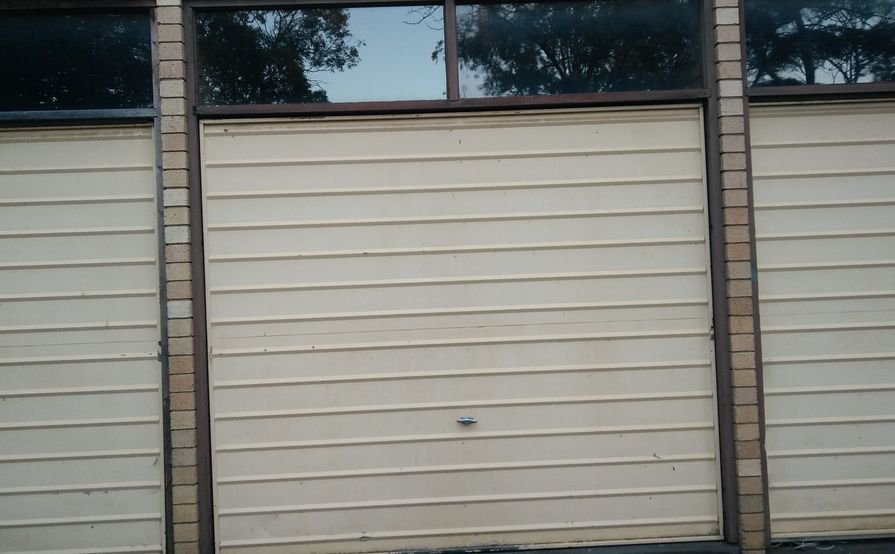 Garage is available for rent