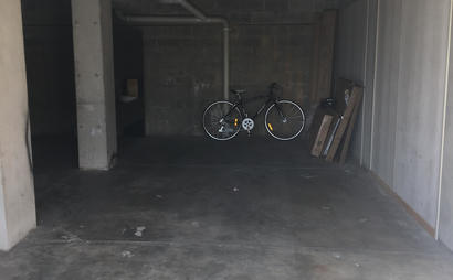 Hamilton - Secure Garage Space + Lift to work