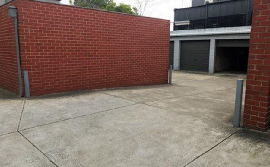 Single garage in Prahran