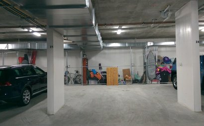Very Spacious Secure carpark next to Green Square Station