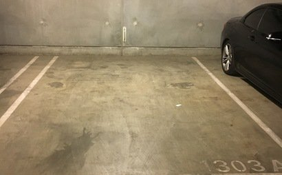 Closed car space in melbourne CBD- (Available staring January 23, 2018)