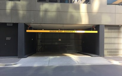 Melbourne - Great Car Parking in St Kilda Road near CBD
