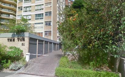 Secure off street parking - Elizabeth Bay