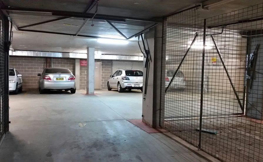 Rockdale - Locked Up Garage