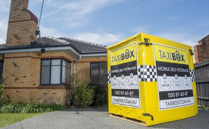 Delivery & Pick up of Self Storage Box in Thornbury