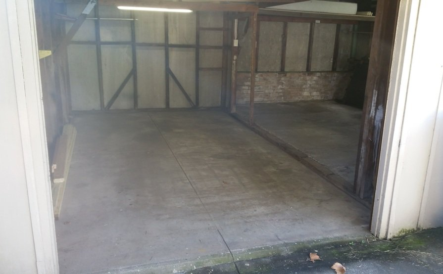 Lockable Double Car Garage for Lease (Available starting Feb 1)