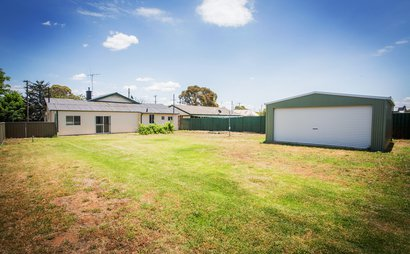 New large colorbond lock up garage - Canowindra NSW 2804